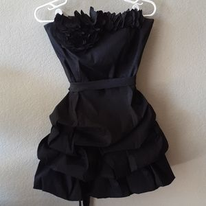 3/$25 🥳 Black formal strapless mini dress size 9